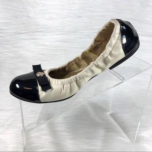 Tahari Cream & Black Gibson Flats Size 8
